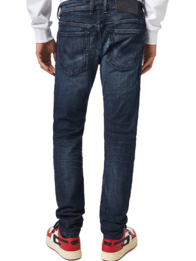 DIESEL – ג'ינס בצבע כחול דגם SLEENKER 069XD